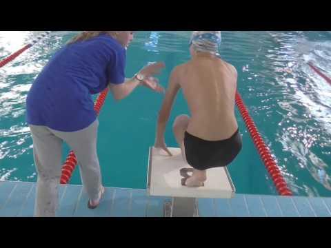 Вопрос: Как правильно нырять в воду?