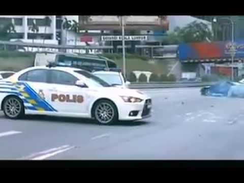 Malaysia police Evo 10 chasing Nissan 180sx
