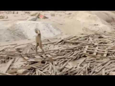 Woman escapes mudslide in Peru