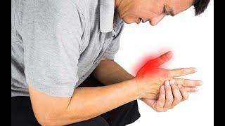 Dedo izquierdo en la el dolor mano de indice