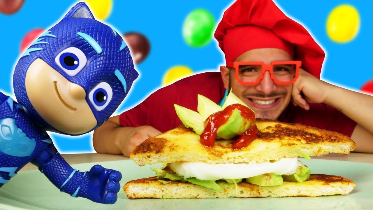 ¿Un sándwich... con M&M's? Los juguetes PJ Masks. Receta fácil de la Cocina para niños