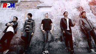 Download Motif Band - Tuhan Jagakan Dia (Official Music Video)