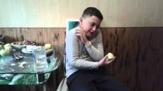 Съесть сырую картошку с чесноком и лимонной кислотой /Challenge/