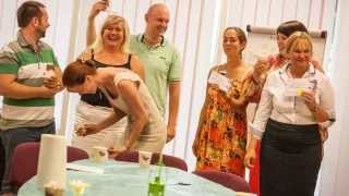 Мастеркласс Анны Перелыгиной по изготовлению свечей из соевого воска. Таллинн(Подробнее о мероприятии читайте в блоге Анны Перелыгиной http://perelogina.eu/2013/08/masterim-sochno-masterim-yarko-masterim-veselo/ Этот..., 2013-09-04T12:52:57.000Z)