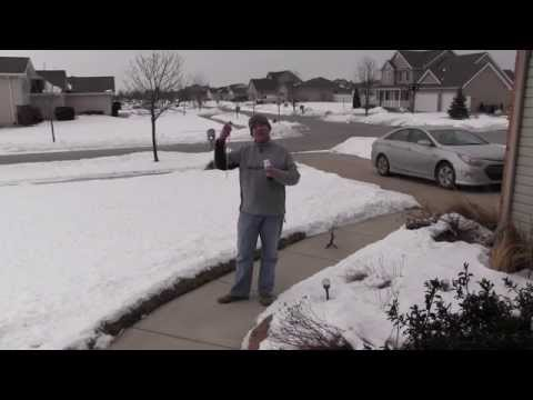 Winter Snow Cover and Your Lawn :: Good Or Bad?