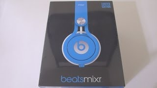First Look: 2013 Beats MIXR Neon Blue Unboxing