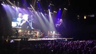 Barry Gibb - Words (Bee Gees) Live 2013 Manchester