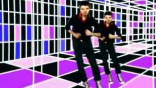 Deux par deux rassemblés - Pierre Lapointe(Le clip officiel., 2009-04-13T16:41:08.000Z)