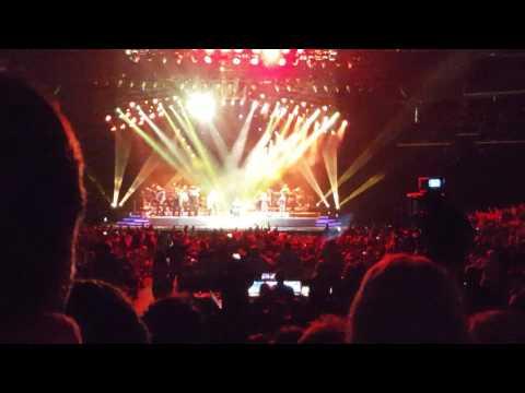 "Neil Diamond ""Holly Holy"" @ Spectrum Center 4.29.17"