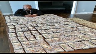 Floyd Mayweather Proves He Got More Money Than Most Rappers