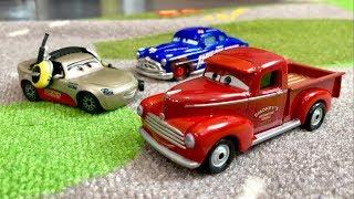 Disney Cars HeyDay Smokey VS Doc Hudson STOP MOTION RACE - Who Will Win?