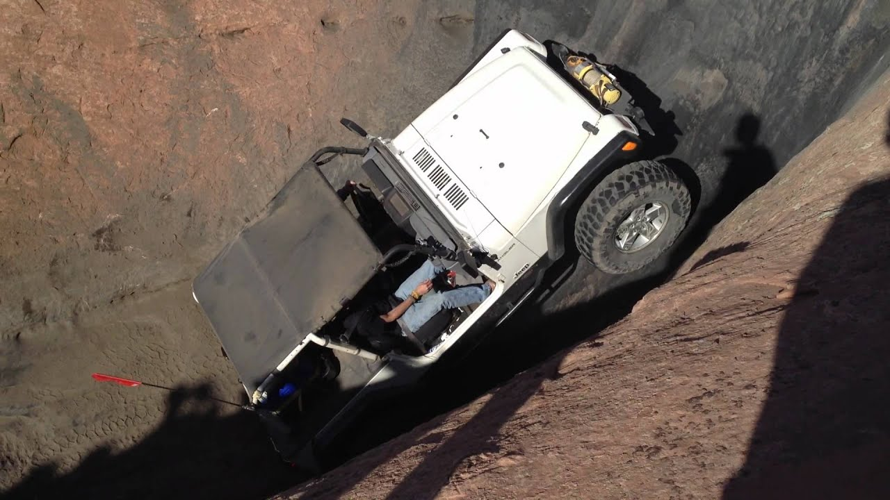 Safari In Va >> Jeep Rolls - Devils Highway Hot Tub on Hell's Revenge - Moab Utah - Jeep Safari 2012 - YouTube