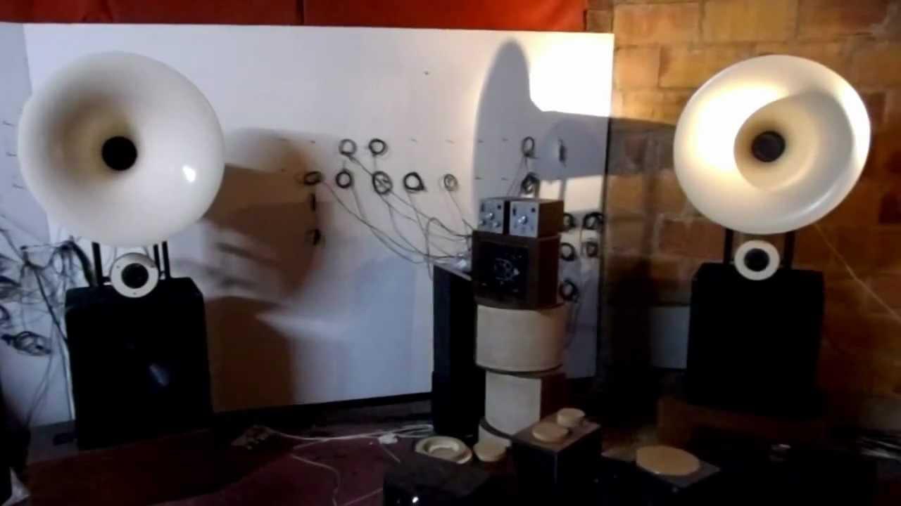 AUDIOPAVILLON french hi-fi speaker ivory horn and red back