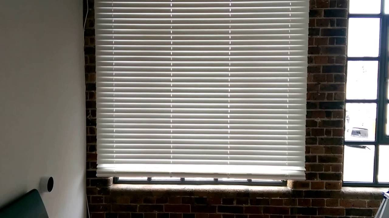 Attractive Electric Wood Venetian Blind From Timberlux