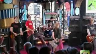 Video Avril Lavigne - Don't Tell Me (Live On MTV TRL) download MP3, 3GP, MP4, WEBM, AVI, FLV Juni 2018