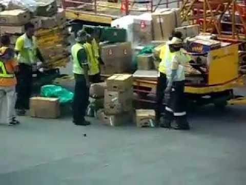 cebu pacific cargo handling,unloading plane