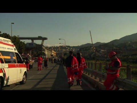 Catastrophe de Gênes: les secours cherchent des survivants