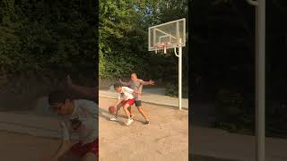 #shorts  남자끼리 농구하면 안되는 이유 Why you should be careful when playing basketball with a man