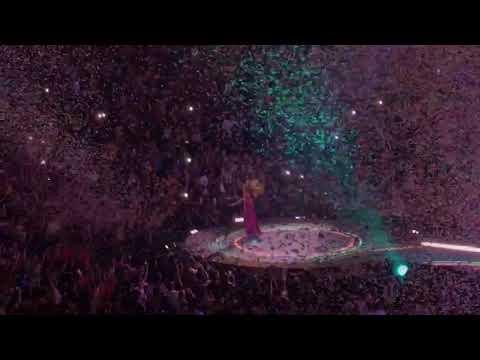 La Bicicleta (Carlos Vives) by Shakira @ BB&T Center on 8/15/18