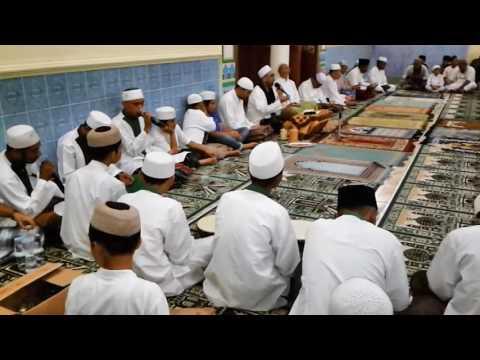 Dzikiran Dan Shalawatan Bersama {Alhabib Umar Bin Ali Assegaf }Di Kota ternate