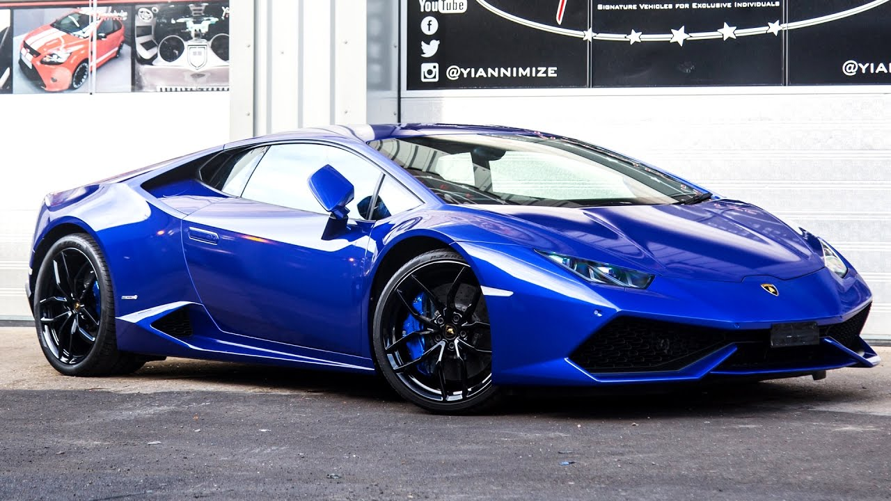 lamborghini huracan wrapped in blue