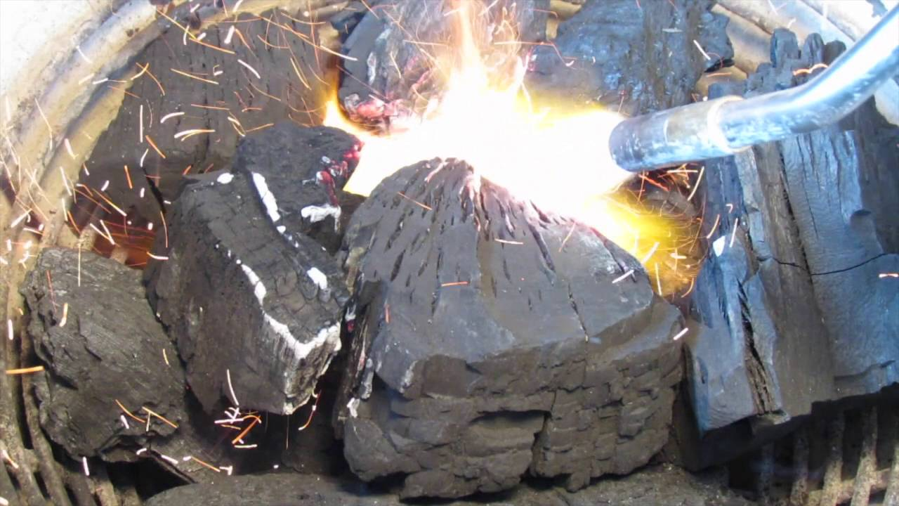 How To Light Lump Charcoal With A Torch