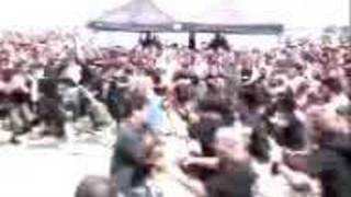 Download Video lamb of god - wall of death ozzfest 2004 MP3 3GP MP4