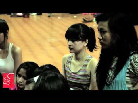 JKT48 member profile: Devi Kinal