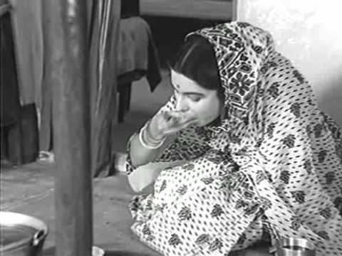 Jaya Bhaduri  in Satyajit's Mahanagar