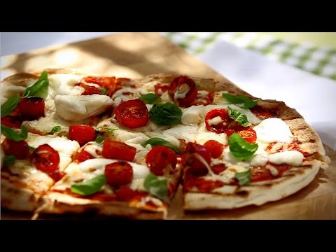 Recipe: Grilled Margherita Pizza