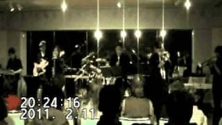 函館市芸術ホールリハーサル室のZAIDANミュージックサロンにて。プレイ...