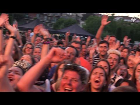 Milers de joves omplen l'Escardívol al concert de Los40 Primavera Pop