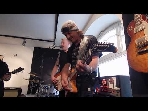 Matthias Jabs live MJ Guitars 7th Anniversary