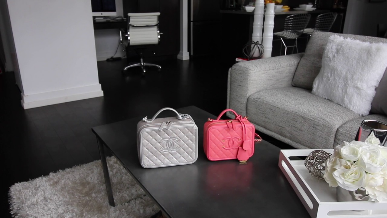 788571db0a0c Preview: Medium VS Large Chanel Vanity Case in Natural Daylight Comparison