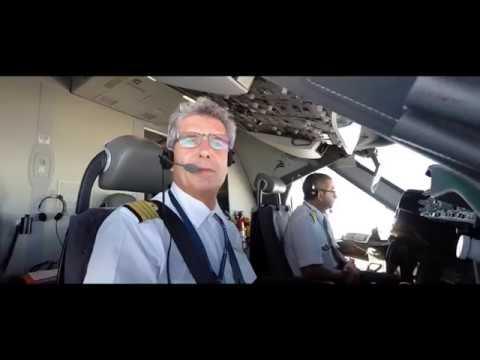 Quand le 1er Boeing 787-8 français rencontre la piste de l'Aéroport de Mayotte !