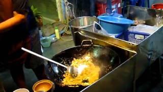 Repeat youtube video ผัดไทย บ้านโป่ง ราชบุรี Phad Thai