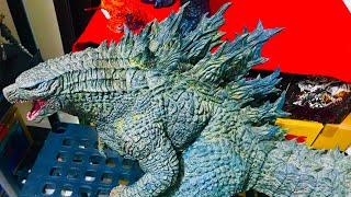 X Plus Gigantic Series Godzilla 2019 Review- Godzilla King Of The Monsters.