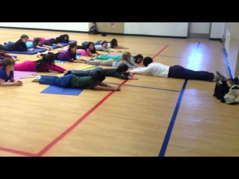 Kids Yoga Class: Poses and Game