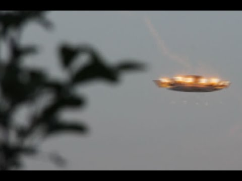 6 UFO Sightings The Most Incredible UFOs Ever Caught on Tape!