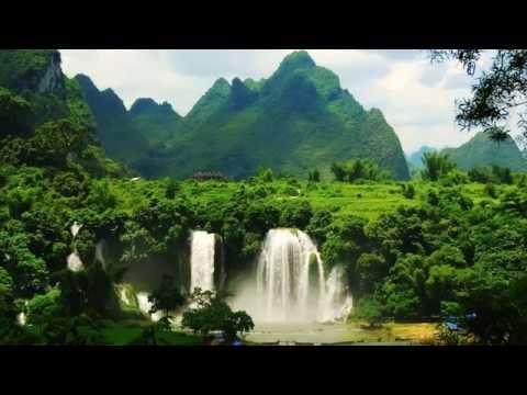 Những Nẻo Đường Việt Nam (Nguyệt Ánh, Việt Dzũng)