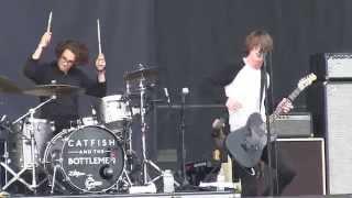 "Catfish and the Bottlemen- ""26"" (1080p) Live at Lollapalooza 8-1-2015"