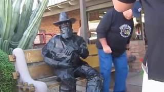 Statue Surprise!    NOVEMBER 19, 2016