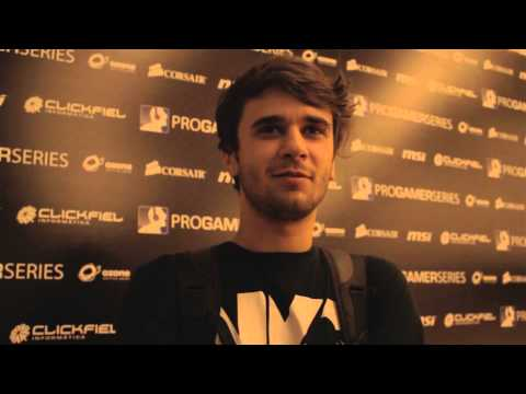 """PGS Exponor '12 - Henrique """"rikz"""" Waku (GamerHouse), and Exotic Gaming Interview"""