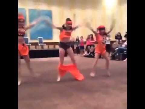 Dance Moms 'Stomp The Yard' Kendall's Pants Fall Down Ireland