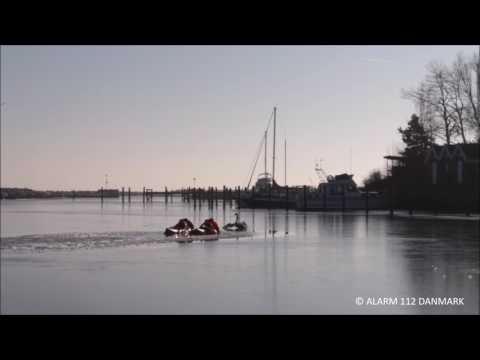 15.02.2017 Redning af svane, Vallensbæk
