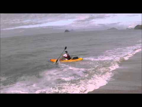 Como entrar de Caiaque em praia de tombo com onda