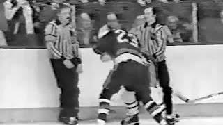 Bob Nystrom vs Doug Risebrough Dec 23, 1977