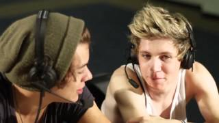 Baixar Niall & Harry From One Direction Sit Down With The Bert Show