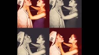 Ariana Grande vs. Selena Gomez !