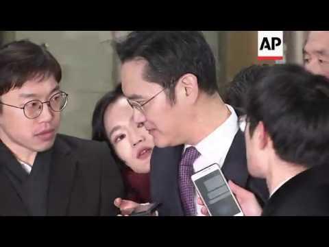 Samsung heir arrives for court hearing on arrest